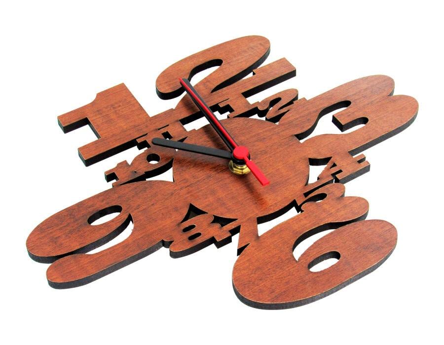 Relógio Estilizado em MDF